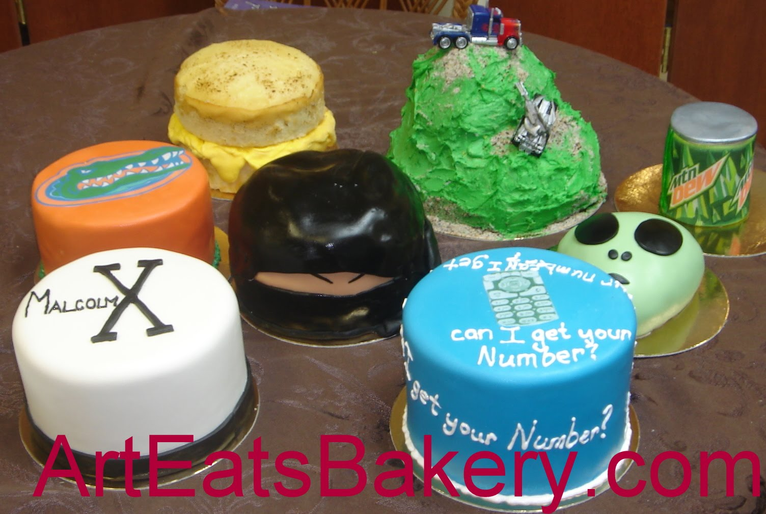 Magnificent Eight Tiny Specialty Cakes For A Special Guy Arteatsbakery Funny Birthday Cards Online Inifodamsfinfo