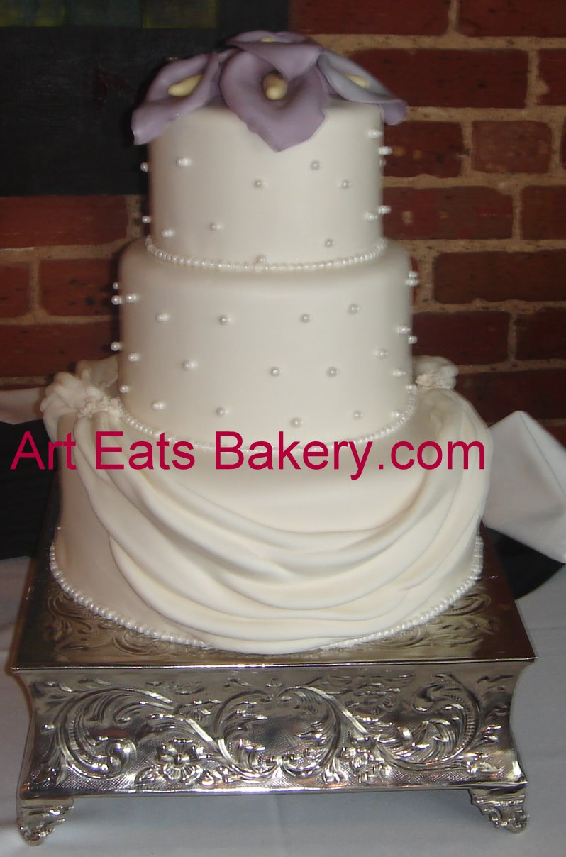 3 tier white fondant wedding cake three tier white fondant custom wedding cake 10355