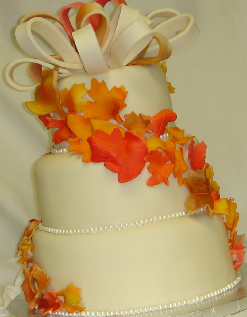 New trends for custom fondant wedding cakes in 2010 | arteatsbakery